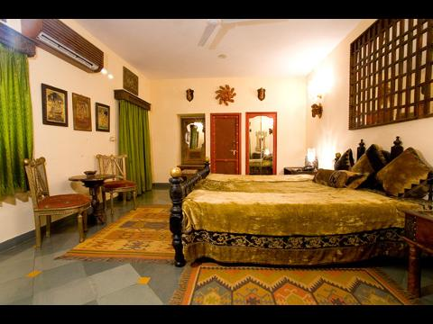 The Royal Retreat Hotel At Udaipur Travelmarg Com