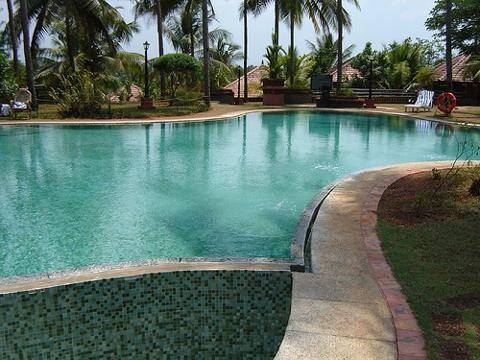 Kadavu resorts hotel at kozhikode for Resorts in kodaikanal with swimming pool