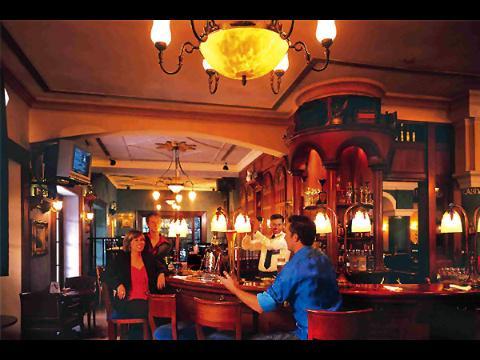Itc Windsor Hotel At Bangalore Travelmarg Com